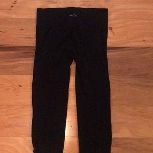 Pants - Black crop leggings